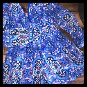 ⭐️3/$10⭐️⭐️Short paisley jumper
